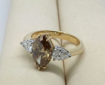 Diamant Ring Natural Fancy Deep Yellowish Brown 18kt Gold